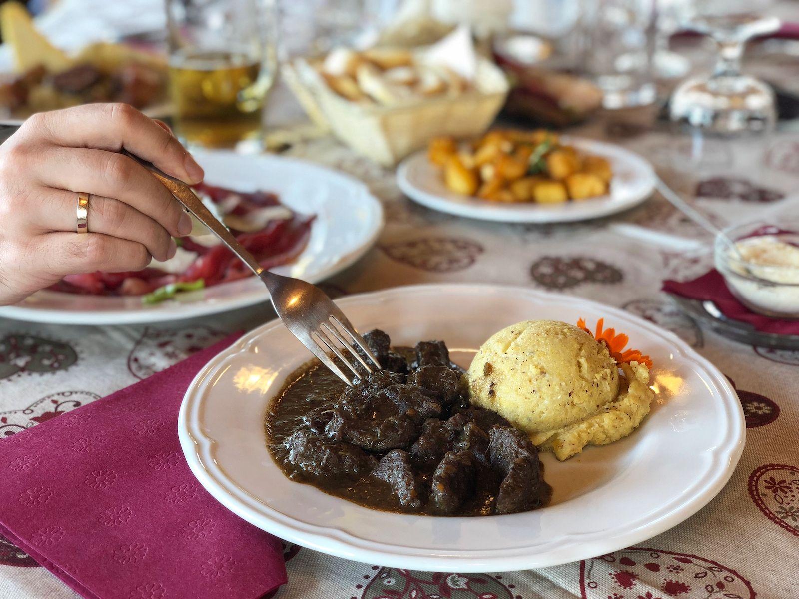 ristorante solarium predaia-polenta e cervo